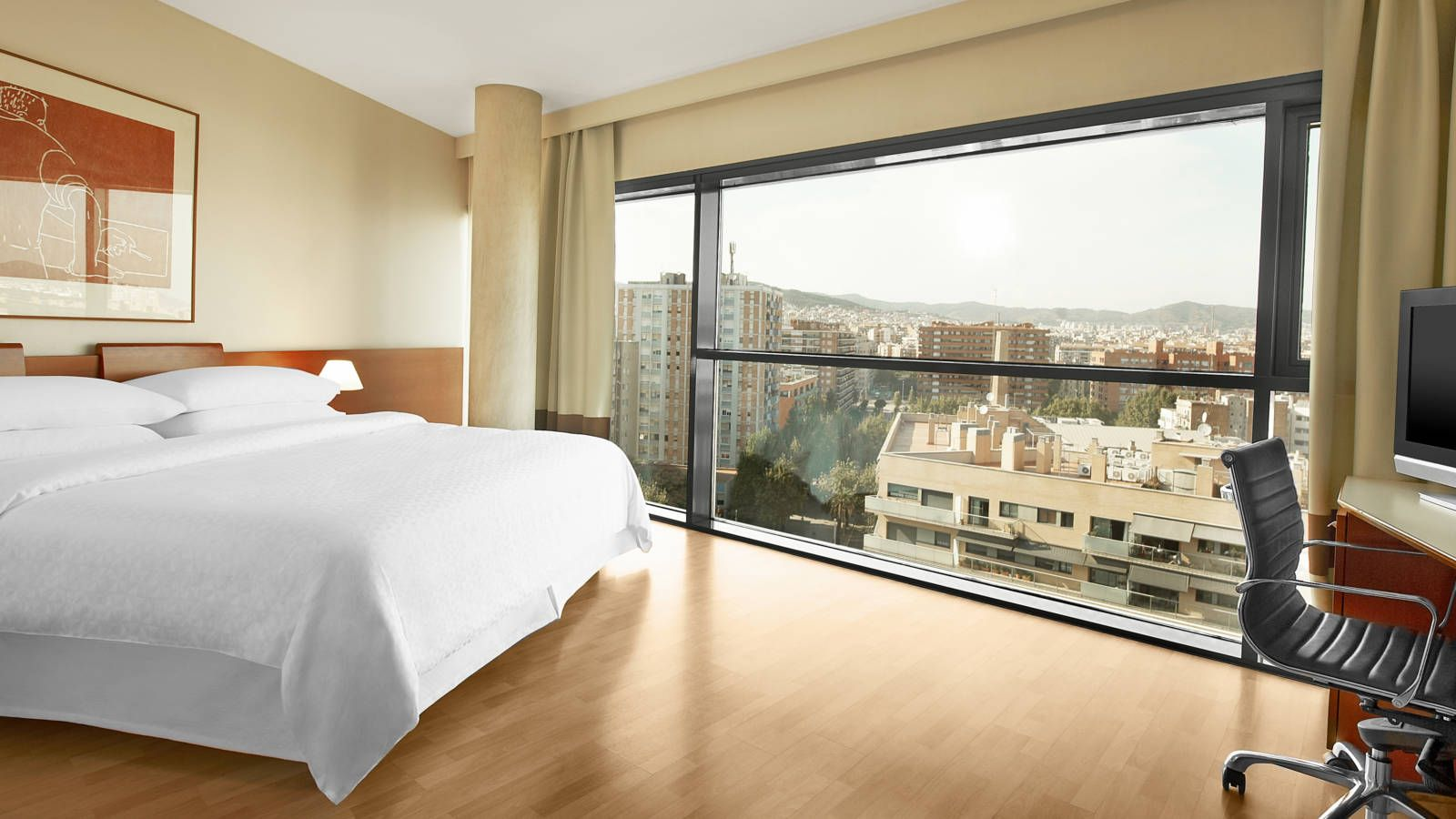 More information about the hotel with view on Sagrada Familia Four Points by Sheraton Barcelona Diagonal